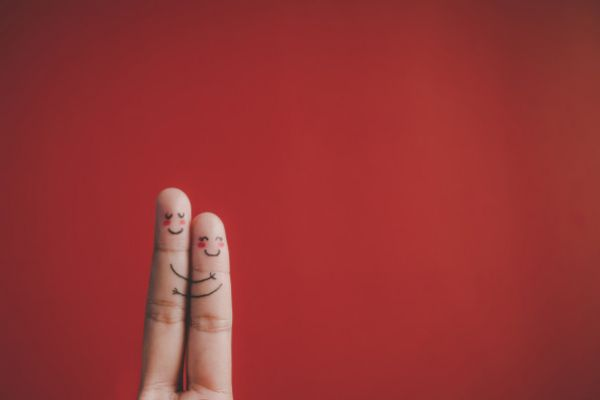 finger-with-emotion-red-background-1150-689860EB4C47-53D3-29FF-73AE-1E47E34938BC.jpg