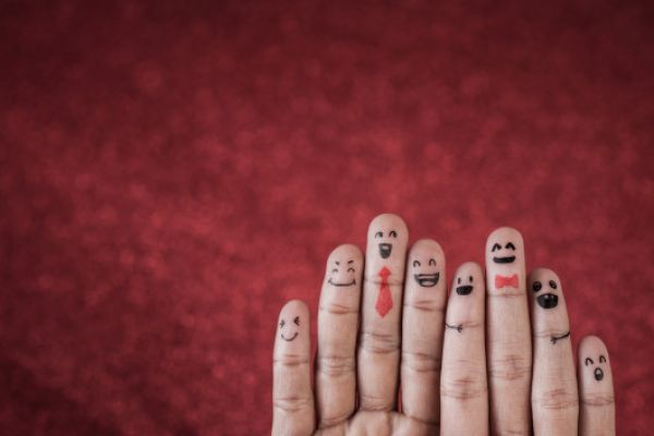 finger-with-emotion-red-background-1150-6902A71D8833-0EA8-4798-4100-A9426C8F28E1.jpg